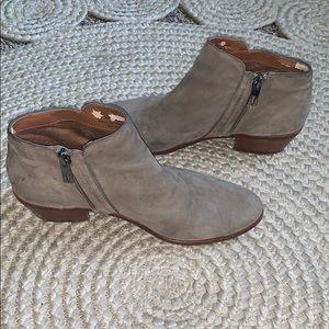 Sam Edelman Shoes - Sam Edelman Chelsea Petty Booties Putty Suede 6.5